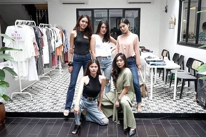 Belanja Preloved Anissa Aziza Dan Para Sahabatnya di Tinkerlust Friendship Bazaar